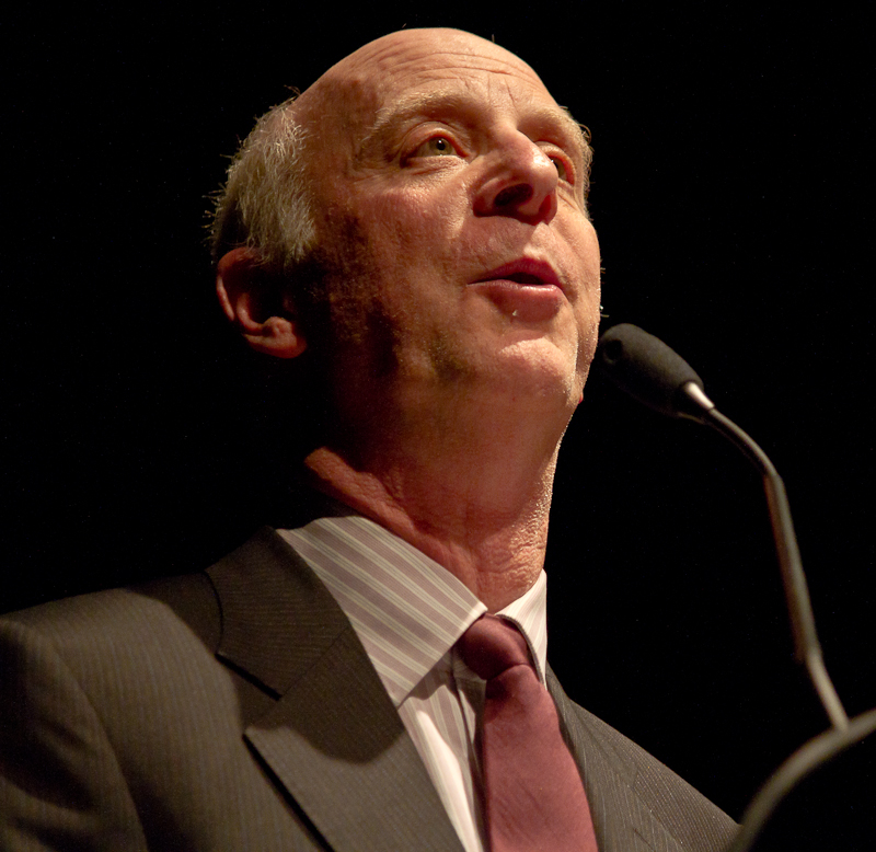 New Yorker magazine's architecture critic Paul Goldberger called for a rebuilding of urban spaces. (Photo by Willie Carroll)